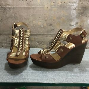 ❤️BOGO❤️ Brown and gold wedge sandals